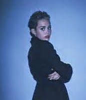 Download lagu Miley Cyrus dari album Bangerz.