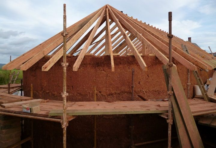 Roof Rafters Rest On Cob Walls Home By Kevin Mccabe Cob