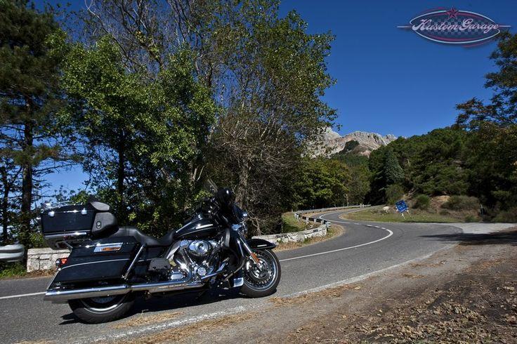 ***www.kustomgarage.it - Kustom Kulture Online Magazine***  NASCE L'ACCORDO TRA HARLEY-DAVIDSON ITALIA E SNAV Agevolazioni sulle tariffe di navigazione per tutti i possessori di moto Harley® e soci del gruppo H.O.G.®  Leggi tutto: http://www.kustomgarage.it/harley-davidson/varie/agosto-2013-nasce-laccordo-tra-harley-davidson-italia-e-snav.html#ixzz2dNY8VbTz