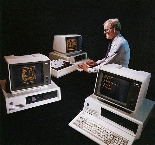 Three Computers and a Man  | Computer Lieben | Computer gadgets