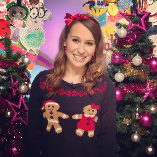 @JenPringle5: Love my #christmasjumper from @Georgeatasda #MerryChristmas #milkshakers @channel5_tv http://t.co/UvF72BWHSy