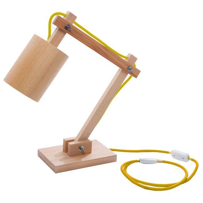 Luminária NWA - R$ 455,00  A NWA é a luminária ideal para uma mesa de trabalho ou até mesmo um criado mudo para leitura. Ela possui três articulações que permitem a utilização em diferentes posições de acordo com cada necessidade.  Ela é feita de madeira de reflorestamento, chapa de PVC e fio com revestimento têxtil colorido.
