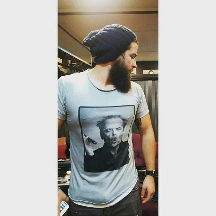 Jack Nicholson + Felipe  Buuuena combinación  #tshirt ,#jacknicholson ,#Londress ,Men,#vestuariomasculino ,#beard ,#Londress ,#indumentaria