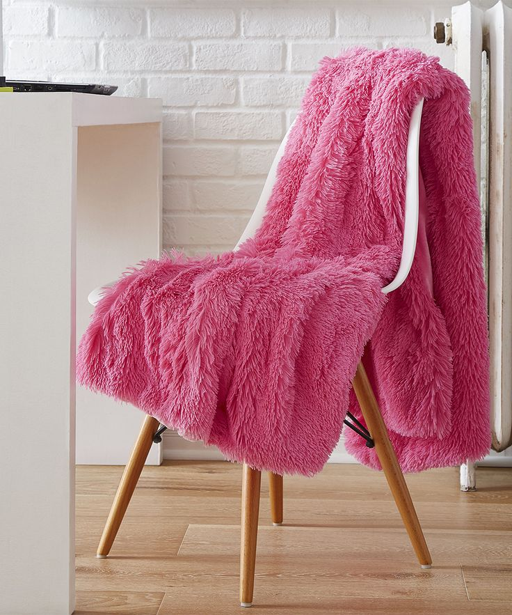 Pink Reversible Retro Shag Throw Retro, Perfect fit, Pink