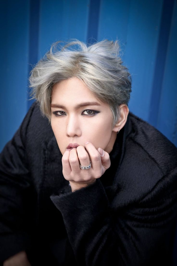 "Song Kyungil History - I love the vampire look and the gaze.. stunning..  adding this to my ""Best Ways to Die"" list.."