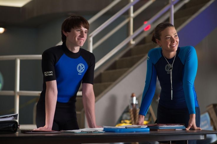Still of Nathan Gamble and Austin Highsmith in Dolphin Tale 2 (2014) http://www.movpins.com/dHQyOTc4NDYy/dolphin-tale-2-(2014)/still-3762143488