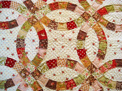 17 Best images about Double Wedding Ring quilts on Pinterest