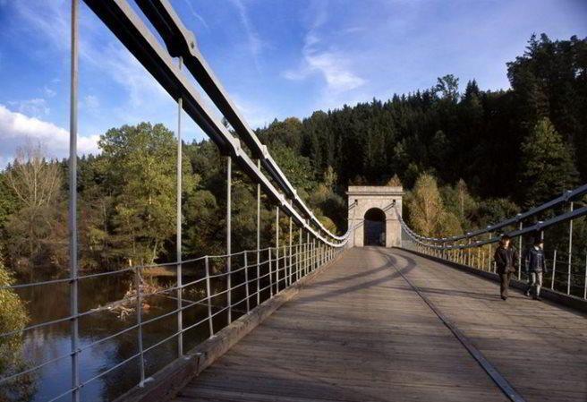 Kudy z nudy - Jedinečný Stádlecký řetězový most