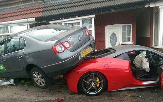 Canadauence TV: Britânico bate Ferrari de R$ 1,2 milhão, carro era...