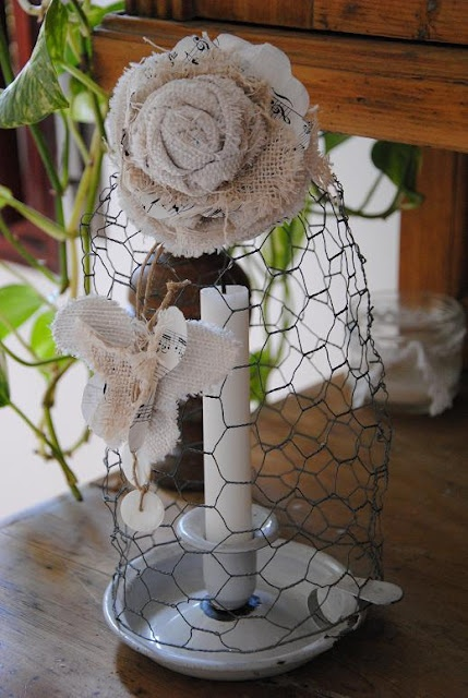 37 best images about chicken wire crafts on pinterest for Chicken wire craft ideas