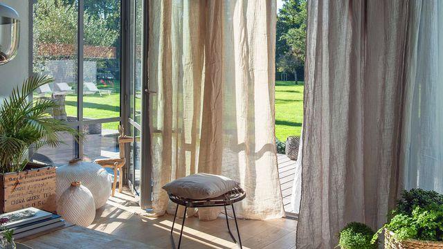 Les rideaux donnent du style au salon