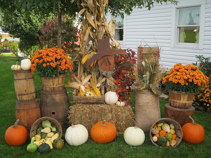 8 best images about fall display on pinterest dollar for Pictures of fall decorations for the yard