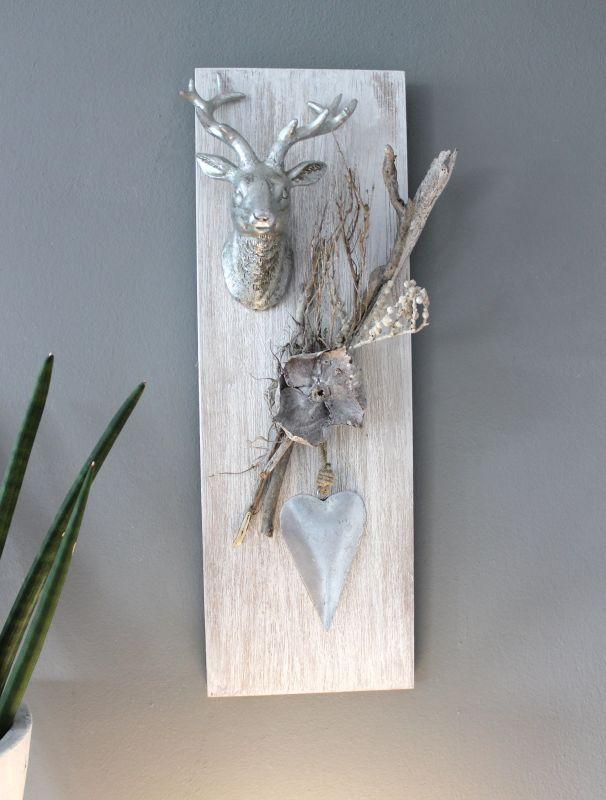 Spectacular HE u Wanddeko aus neuem Holz wei gebeizt dekoriert mit nat rlichen Materialien einem