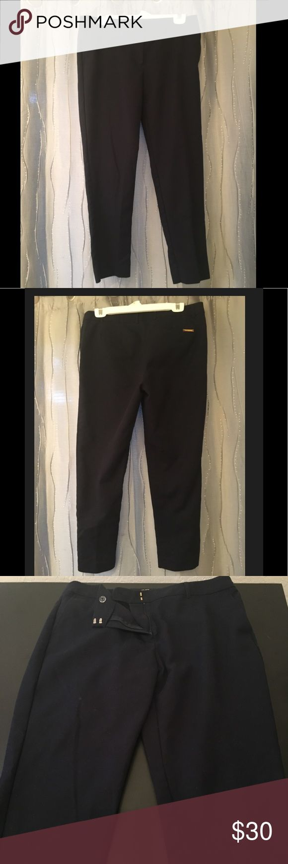 Jones New York Stretch Pant, Navy, size 10 Navy blue dress pants. I would say it's a classic fit, kind of straight leg and hits about ankle length. Size 10. Excellent condition. Jones New York Pants