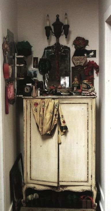 790 best images about bohemian interior on pinterest for What kind of paint to use on kitchen cabinets for embroidery hoop wall art