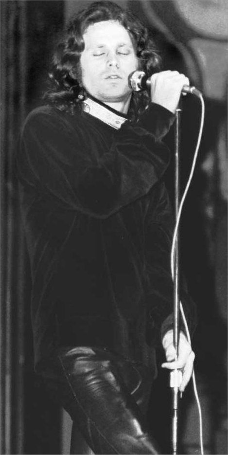 Jim Morrison performing - The Doors Photo (8113010) - Fanpop fanclubs