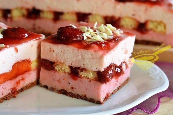 """z cukrem pudrem: ciasto """"Truskawkowa chmurka"""" (bez pieczenia)"""