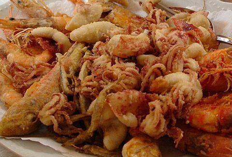 #Frittura di #pesce (paranza) - #ricetta #pugliese http://www.lorointavola.it/frittura-di-pesce-paranza-ricetta-pugliese/
