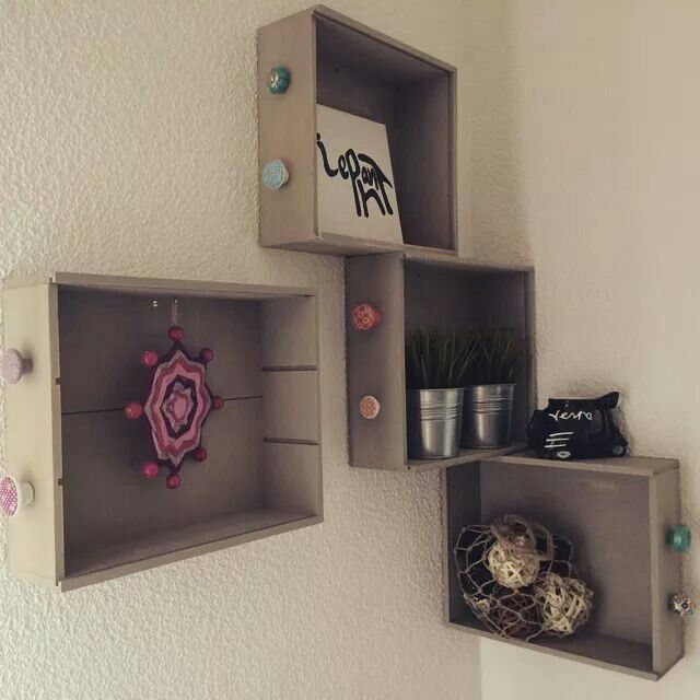 Cajas+de+vino+como+estanterias.jpg (640×640)