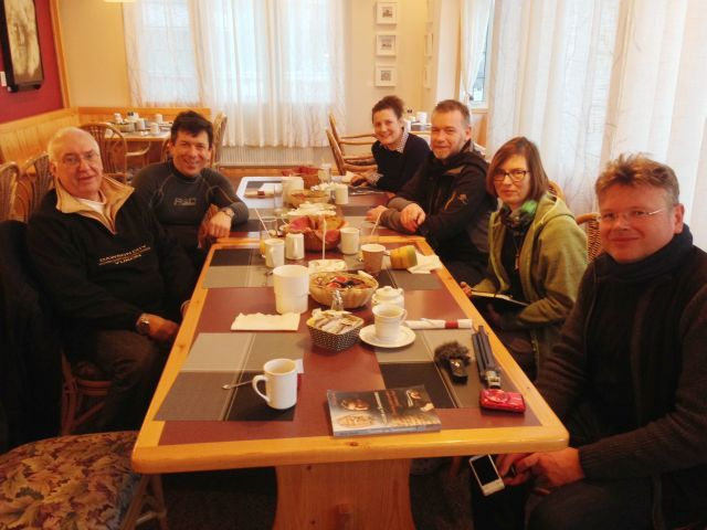 Why is Robert Service so much better known here than Jack London? This question comes from Wolfgang Robert Greiner, one of five German journalists I was invited to meet for breakfast at the Aurora Inn in late February.  Their primary literary...
