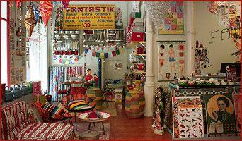 Fantastik, venta d'objectes de tot el món. Molt curiós!