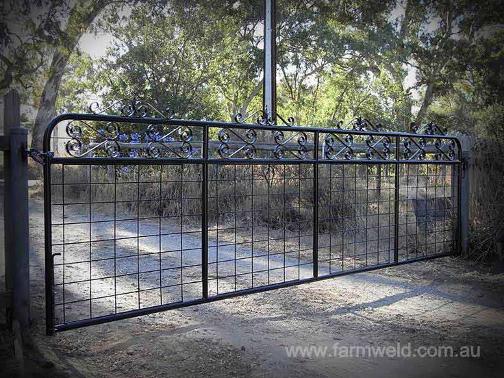 'Kensington' farm gate with 100x150mm farm mesh insert. Steel posts supplied by Farmweld. Echunga, Adelaide Hills, South Australia.
