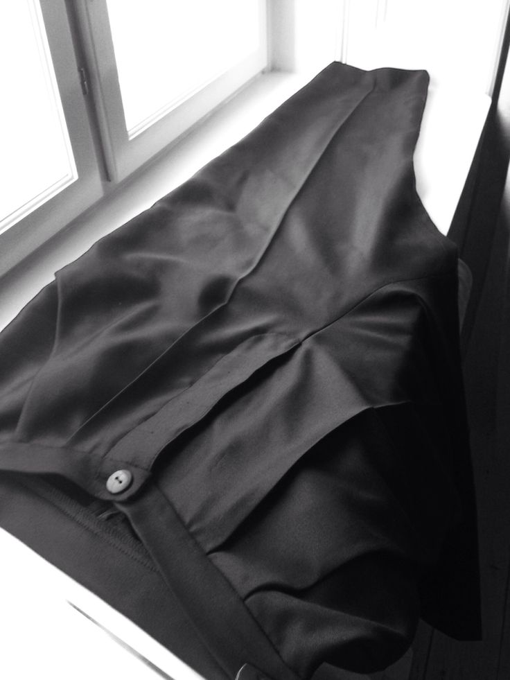 Cropped trousers # details # asymmetric pockets # school project # November 2013