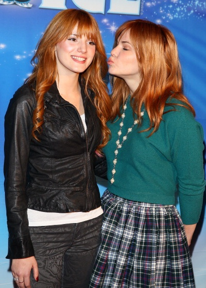 """.@AnythingDiz - @BellaThorne and Kaili Thorne at the opening night of @Disney on Ice's """"Dare to Dream"""""""