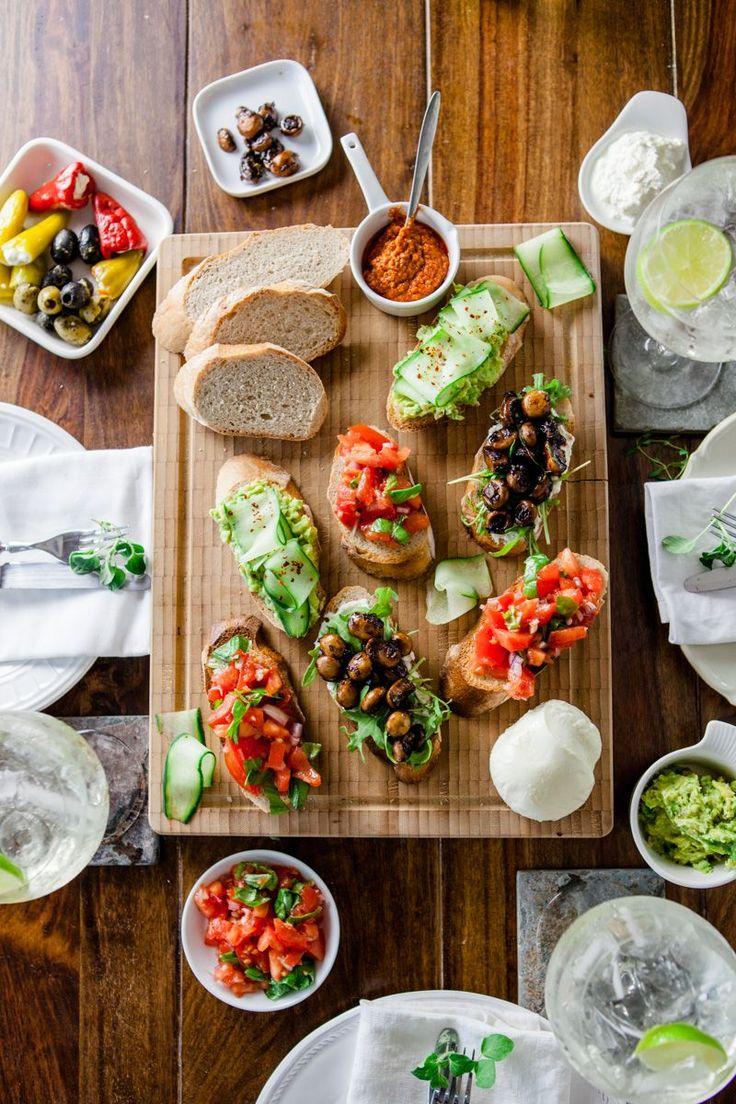 Der erste gang ein bruschetta trio das der moderne aperitif event blogevententhält werbung