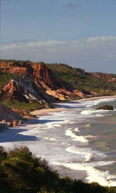 Praias de Tambaba e Tabatinga, no litoral sul da Paraíba