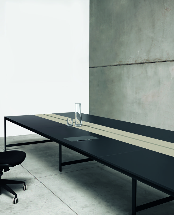 K-word desk #black&sand #humanoffice #elegance #sober