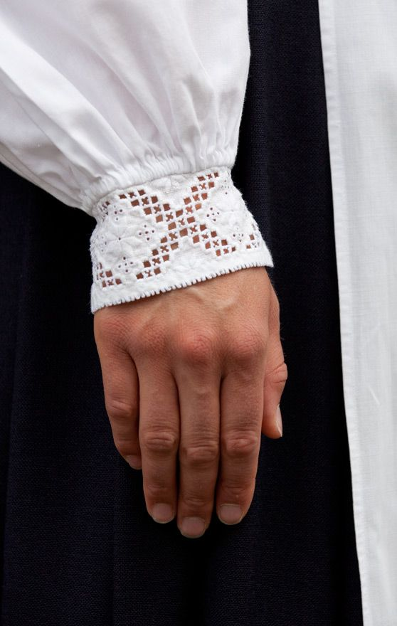 Norsk Hardanger Embroidery on the cuff of a Bunad Blouse / Folklore Fashion – blogg