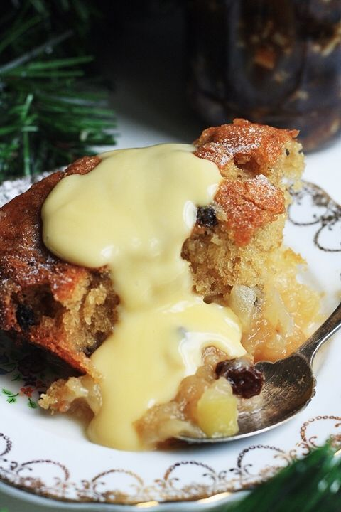 Bramley Apple and Mincemeat Pudding ~ via this blog, From the Larder