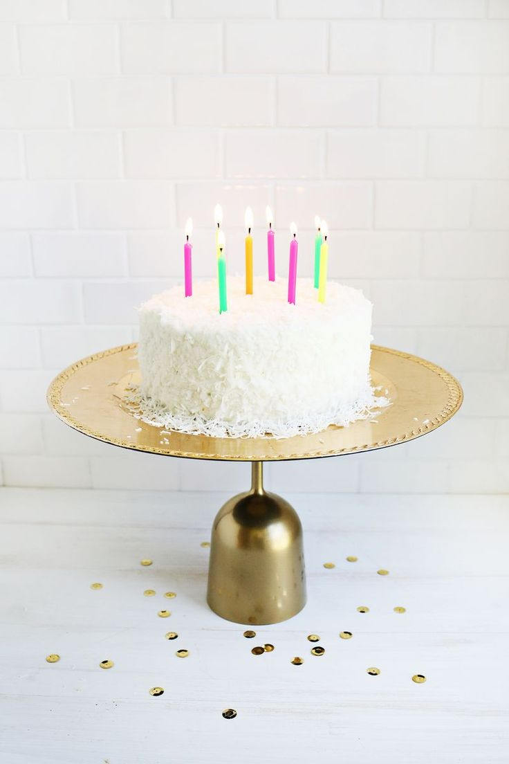 50 Gorgeous Do-It-Yourself Cake Stands