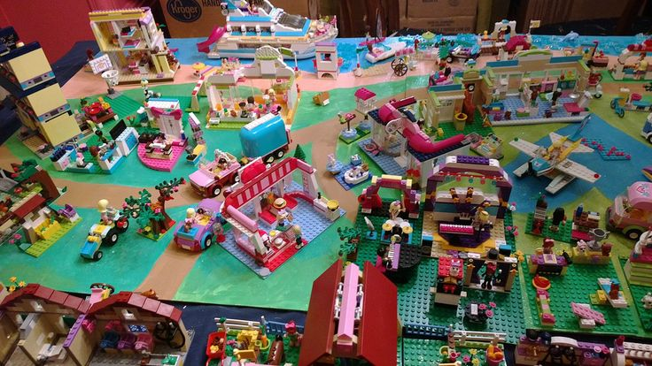 My lego friends heartlake city set up for Piscina lego friends