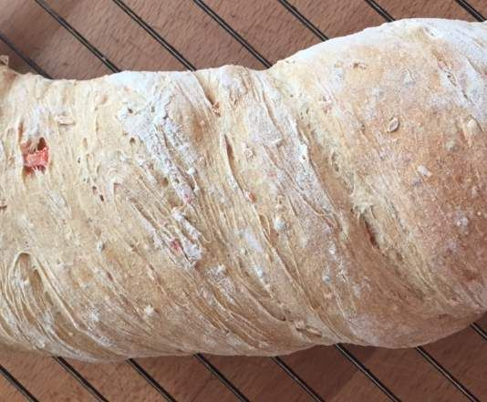 Rezept Gedrehtes Gemüsebrot von Hermithethermi - Rezept der Kategorie Brot & Brötchen