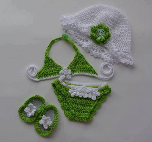Aw, too cute! Crochet beach baby!                              …                                                                                                                                                                                 Mais