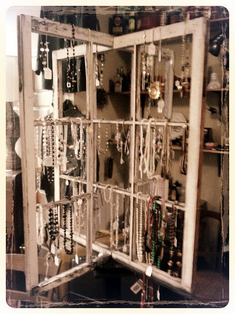 IDEA: good idea for a free standing display unit. Could do with frames. Jewelry holder from two windows.