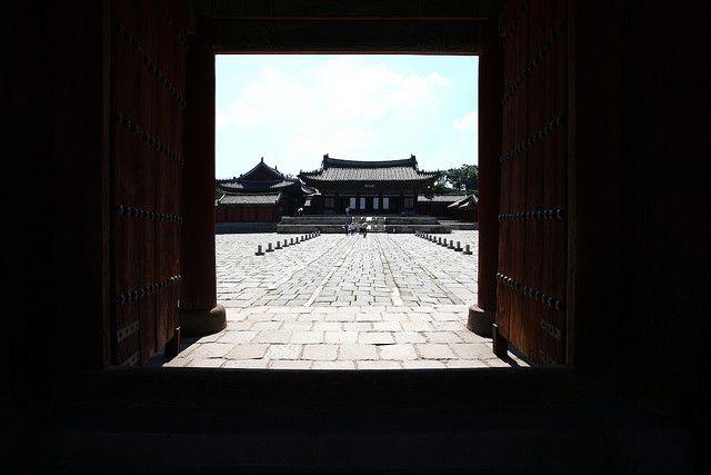 KOREA_One of Korea's Five Grand Palaces, Changgyeonggung Palace 창경궁 (Seoul) | Flickr - Photo Sharing!
