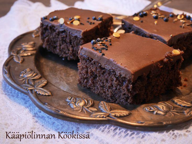 Kääpiölinnan köökissä: Ihana, mehevä suklaakakku ♥