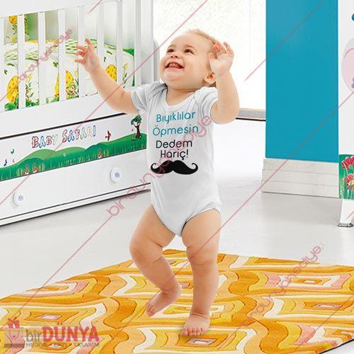Yazılı bebek kıyafetlerinden kişiye özel baskılı bebek zıbını modelimizi kapıda ödeme imkanı ile Birdunyahediye.Com'dan satın alabilirsiniz.