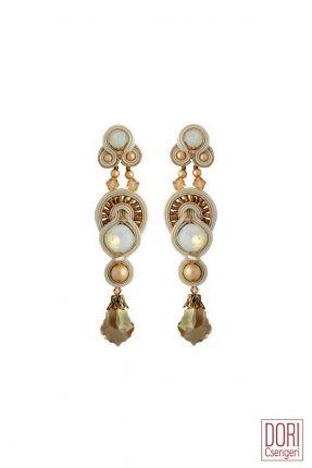 I Do haute couture bridal earrings by Dori Csengeri   #doricsengeri #dorijewelry #doribridaljewelry #couturejewelry #bridalearrings