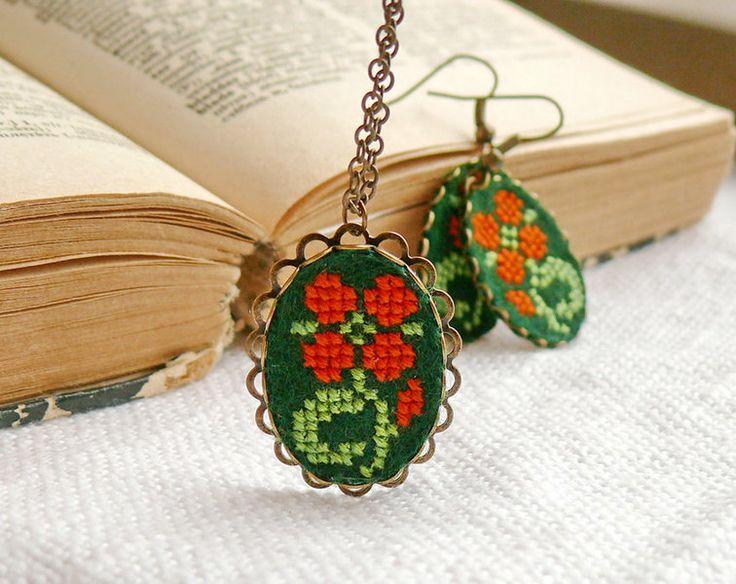 Cross stitch jewelry set - necklace and earrings from Skrynka by DaWanda.com