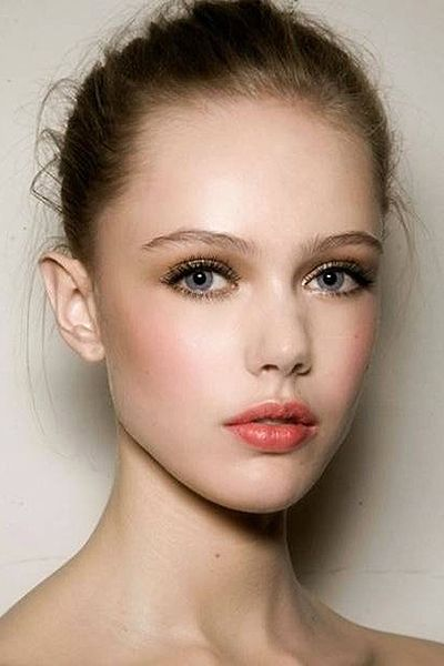 A hint of gold is perfect for blue or grey toned eyes. Peach on cheeks & lips is fab on fair toned complexions.