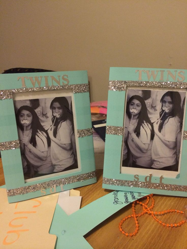 Sorority crafts twin frames