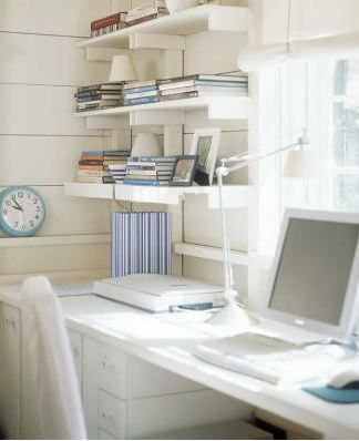 Pretty Workspace | Home Office Details | Ideas for #homeoffice | Interior Design | Decoration | Organization | Architecture | White Desk | Shelf for books