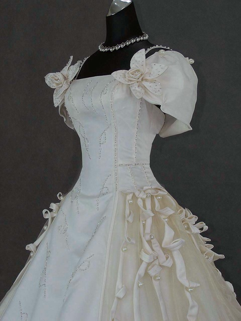 181 best images about weddings around the world on for Vintage gothic wedding dresses