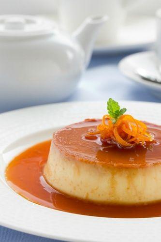 Любимые десерты: Апельсиновый крем-карамель,Апельсиновая панна котта,  Шоколадно-миндальное пирожное.