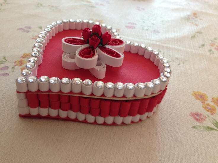 paper quilling box handmade for detail and price please email me