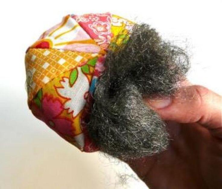 Pour des épingles et des aiguilles bien piquantes et qui travaillent mieux, faites votre propre pelote à épingles qui affûtera vos aiguilles à tous coups en remplissant votre pelote actuelle (ou une pièce de tissu) avec de la laine d'acier. - 10 trucs de couture que votre grand-mère aurait dû vous transmettre - Trucs et Astuces - Trucs et Bricolages